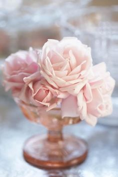pale pink roses and pink depression glass. Love Rose, Pretty In Pink, Beautiful Flowers, Beautiful Bouquets, Elegant Flowers, Simple Flowers, Fresh Flowers, Beautiful Things, Pink Roses