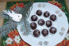 Kokos a čokoláda je nejlepší kombinace jaká může existovat ve sladkostech. Bounty kuličky jsou jednoduché a rychlé na přípravu, tak si je vyzkoušejte připravit i doma.