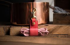 Italian leather go with high-quality bronze hardware, muiti-function Keychain, mobile phone stand & cable retractor. Leather Keychain, Leather Wallet, Italian Leather, Two By Two, Bronze, Unique Jewelry, Handmade Gifts, Personalized Items, Hardware