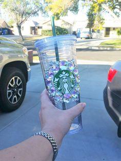 Bling Starbucks Venti Cold Cup by NicsNacksHandmade on Etsy Custom Starbucks Cup, Starbucks Venti, Starbucks Logo, Starbucks Recipes, Starbucks Tumbler, Starbucks Drinks, Starbucks Merchandise, Starbucks Bottles, Kids Food Crafts