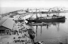 Barcos amarrados en el puerto de Alicante-ca 1930 (Lucien Roisin).- Memoria gráfica de España.: Alicante (Puerto)