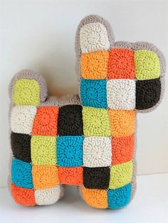 [Free Pattern] Insanely Cool And Easy Patchwork Dog Pillow That Kids And Adults Will Enjoy