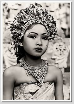Balinese dancer Source: CocoNUTS Republic™ via Old Bali (via Facebook)