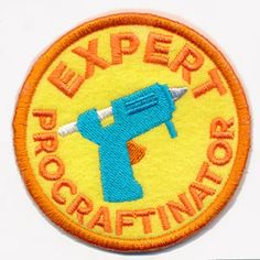 You've earned the distinction of being an expert procraftinator, now show it off with a distinctively sassy merit badge! This design stitches up as a freestanding in-the-hoop patch, perfect for placing on denim jackets, craft totes, and more.