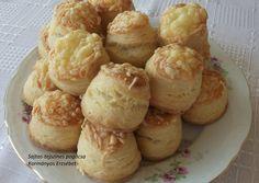 Családi pogácsa recept recept foto Smoothie Fruit, Hungarian Recipes, Hungarian Food, Scones, Cake Recipes, Biscuits, Bakery, Recipies, Muffin