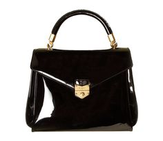 Yves Saint Laurent http://www.vogue.fr/mode/shopping/diaporama/les-30-sacs-stars-de-la-saison/9342/image/565025#yves-saint-laurent