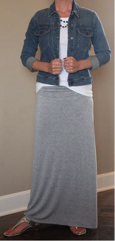 How To Wear Denim Skirt Winter Outfit Ideas 62 Ideas Denim Skirt Winter, Maxi Skirt Fall, Grey Maxi Skirts, Maxi Skirt Outfits, Gray Maxi, Winter Maxi, Black Skirts, Maxi Dresses, Jean Skirts