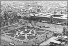 El 16 de Sep. de 1958 ultimo desfile del Presidente de la Republica Adolfo Ruiz Cortines , volaron 140 aviones en la ciudad de Mexico