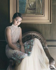 Kathryn Bernardo wearing a LESLEY MOBO beaded and embroidered tulle couture gown l Photographed by Mark Nicdao Kathryn Bernardo, Filipina Actress, Beaded Gown, Formal Gowns, Fashion Models, Tulle, Flower Girl Dresses, Celebs, Prom