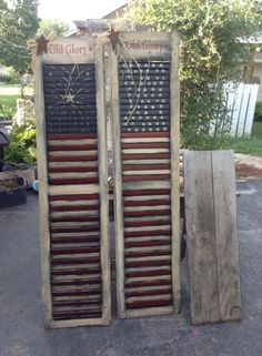 Celebrate the Stars and Stripes Forever with These Star Spangled of July Cra… Feiern Sie das Sternenbanner für immer mit diesen Star Spangled of July Cra Americana Crafts, Patriotic Crafts, Patriotic Decorations, July Crafts, Primitive Crafts, Holiday Crafts, Wood Crafts, Rustic Americana Decor, Primitive Signs