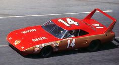 old nascar photos Nascar Autos, Nascar Race Cars, Old Race Cars, Plymouth Road Runner, Nascar Daytona, Dodge Daytona, Daytona 500, Plymouth Superbird, Plymouth Cars