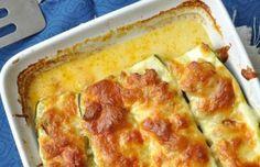 Sajtos-baconös töltött cukkini Lasagna, Quiche, Breakfast, Ethnic Recipes, Food, Morning Coffee, Essen, Quiches, Meals