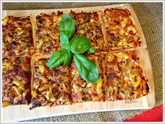 Lavash Pizza (but without that vegan cheese)