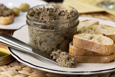 In this take on the traditional Tuscan pâté, cremini mushrooms share the stage with chicken liver. Serve with crostini for an easy and delicious appetizer. Pate Recipes, Baby Food Recipes, My Recipes, A Food, Food And Drink, Stuffed Mushrooms, Stuffed Peppers, Chicken Livers, Mushroom Chicken