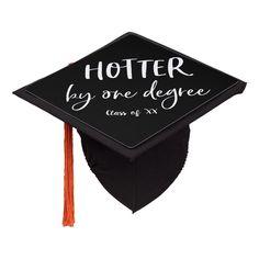 Quotes For Graduation Caps, Funny Graduation Caps, Graduation Cap Toppers, Graduation Cap Designs, Graduation Cap Decoration, Grad Cap, Graduation Pictures, Graduation Ideas, Graduation Presents