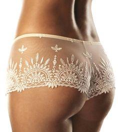 Lingerie: http://www.lingerie180.com/2010/12/french-lingerie-for-your-wedding.html
