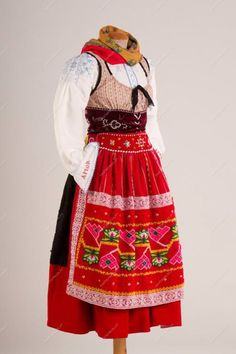 Folk Costume, Costumes, Folk Clothing, Folk Dance, Spain And Portugal, Traditional Outfits, Portuguese, Harajuku, How To Wear