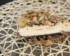 No-Bake Creamy Peanut Butter Pie - a crushed Oreo crust, with a thick, creamy, and delicious peanut butter filling drizzled with chocolate s...