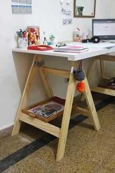 En venta en Argentina: http://articulo.mercadolibre.com.ar/MLA-455192964-escritorios-con-caballetes-_JM