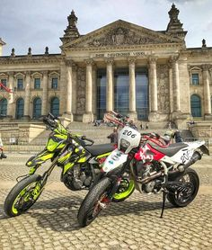Ask me anything here !!!! Bike: Suzuki DRZ 400 Husqvarna SMR 510 Donations for my Dreambike here. Thanks for your support!