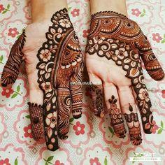 Palm Mehndi Design, Rose Mehndi Designs, Finger Henna Designs, Modern Mehndi Designs, Bridal Henna Designs, Mehndi Designs For Girls, Mehndi Design Photos, Mehndi Designs For Fingers, Dulhan Mehndi Designs