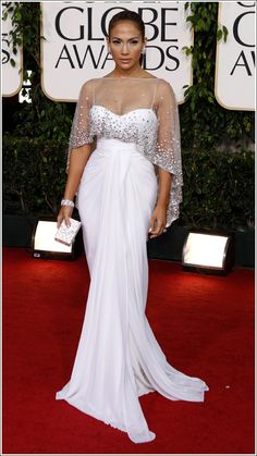 Jennifer Lopez – 2011 Golden Globe Awards – Hair & Makeup