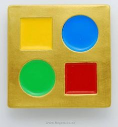 Contemporary New Zealand Jewellery by Warwick Freeman. Gold, silver and paint brooch