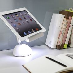 The iLight by GGMM x Symple is the perfect iPad stand.   Designed perfectly for all models of iPad, iPad Mini and also suitable for other tablets, the iLight safely yet securely holds the iPad in place.