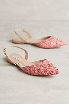 Raphaella Booz Jardim Flats Jutti - ladies shoes of Punjab Click visit link above to read more. Get your punjabi jutti today. Pretty Shoes, Cute Shoes, Me Too Shoes, Shoes Flats Sandals, Shoe Boots, Flat Shoes, Indian Shoes, How To Wear Heels, Shoe Collection