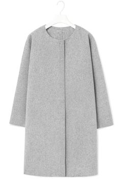 Cos Curved Seam Wool Coat in Gray (Grey) - Lyst Look Fashion, Winter Fashion, Womens Fashion, Fashion Design, Fashion Trends, Teen Vogue, Mode Hijab, Gianni Versace, Contemporary Fashion