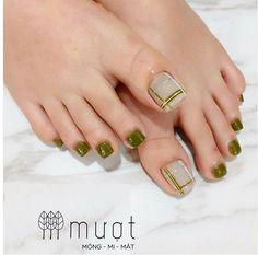 Plaid Nail Designs, Cat Nail Designs, Pretty Toe Nails, Cute Toe Nails, Tape Nail Art, Nail Art Diy, Feet Nail Design, Classy Acrylic Nails, Nail Techniques