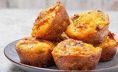 Préparation : 1.Préchauffez votre four à 180°C. Coupez le chorizo et le fromage en dés. 2. Dans un grand bol, mélangez la farine et la levure. Cassez les œufs, incorporez-les à la farine, puis mél…