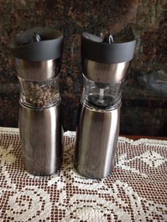 WOLFGANG PUCK BATTERY OPERATED PEPPER MILL AND SALT GRINDER.