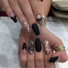 62 Best 💅 Black Coffin Nails Design You May Crazy for It (Glitter Nails, Matte Nails) - Page 7 😘💋𝙄𝙛 𝙔𝙤𝙪 𝙇𝙞𝙠𝙚, 𝙅𝙪𝙨𝙩 𝙁𝙤𝙡𝙡𝙤𝙬 𝙐𝙨 💋 💖 💖 💖 💖 💖 💖 💖 💖 💖💖 Hope you like this Gold Nail Art, Rose Gold Nails, Cute Acrylic Nails, Glitter Nails, Glitter Eyeliner, Fancy Nails, Cute Nails, Pretty Nails, Hair And Nails