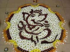 Flower Rangoli Ganesh Rangoli, Indian Rangoli, Diwali Rangoli, Rangoli Patterns, Rangoli Ideas, Rangoli Designs, Thali Decoration Ideas, Diwali Decorations, Flower Decorations