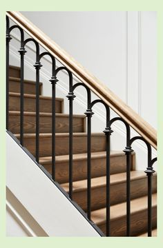 Iron and wood stair railing Stair Railing Ideas iron railing stair Wood Iron and wood stair railing Stair Railing Ideas iron railing stair Wood Black Stair Railing, Wood Railings For Stairs, Outdoor Stair Railing, Staircase Railing Design, Wrought Iron Stair Railing, Railing Ideas, Staircase Ideas, Deck Stairs, Banisters