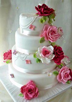 My wedding cake Wedding Cake Roses, Amazing Wedding Cakes, Elegant Wedding Cakes, Elegant Cakes, Wedding Cake Designs, Wedding Cake Toppers, Rose Wedding, Amazing Cakes, Gorgeous Cakes