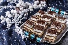Prajitura Kinder Bueno - Bucătăria Urecheatei Romanian Desserts, Nutella, Tiramisu, Deserts, Ethnic Recipes, Bun Bun, Food, Cakes, Pies