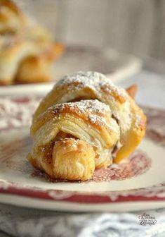 Bocaditos de Tarta de Manzana   CON HARINA EN MIS ZAPATOS Apple Recipes, Sweet Recipes, Apple Crumble Pie, Caramel Dip, Pan Dulce, Dessert Recipes, Desserts, Sweet Bread, Kitchen Recipes