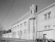The world's largest winery is rotting on the edge of San Francisco ...