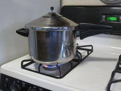 KUHN RIKON DUROMATIC PRESSURE COOKER 5qt Stainless Steel~Works Well~Extra Parts #KuhnRikon