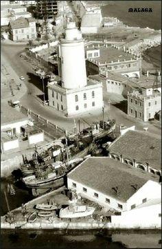 La Farola, en el Puerto de Málaga.