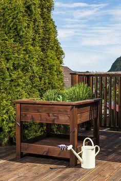Lag din egen urtekasse av terrassebord og MULTIstolper i MøreRoyal®
