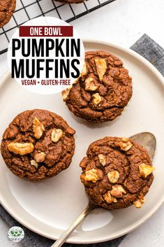 Fluffy and moist, these One Bowl Pumpkin Muffins are the perfect Fall treat! The… Fluffy and moist, these One Bowl Pumpkin Muffins are the perfect Fall treat! They're great for breakfast *or* dessert and are vegan, gluten-free, and refined-sugar free. Gluten Free Muffins, Gluten Free Baking, Vegan Gluten Free, Vegan Desserts, Vegan Recipes, Dessert Recipes, Vegan Sweets, Healthy Sweets, Vegan Food