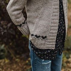 Ravelry: Hillier Hearts Cardigan pattern by sam lamb Ravelry: Hillier Hearts Cardigan pattern by sam lamb Knit Cardigan Pattern, Sweater Knitting Patterns, Coat Patterns, Shawl Patterns, Stitch Patterns, Beginner Knitting Patterns, Knitting Designs, Knitting Tutorials, Knitting Ideas