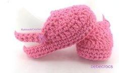 ¿Quieres hacer estos zuecos para tu bebé o para regalar?. En este post te explico como hacerlo. SUELA : Yo he utilizado un ganchillo de 4mm con algodón de 3-3,5. Los de la foto son para un bebé de ...