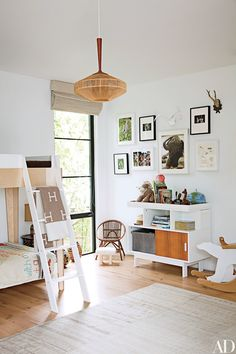 The Home of Jenni Kayne via A Piece of Toast via Architectural Digest Cool Bunk Beds, Kids Bunk Beds, Bunk Bed Designs, Celebrity Houses, Kid Spaces, Boy Room, Child's Room, Beverly Hills, Kids Bedroom