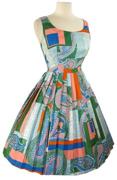 Green Lashes and Fashion: Vintage Dress of the Day