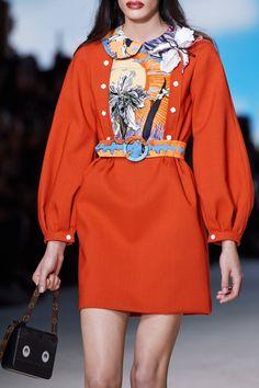 Louis Vuitton Spring 2020 Ready-to-Wear Fashion Show - Vogue Crazy Runway Fashion, Fashion 2020, New York Fashion, Fashion Trends, Paris Fashion, Ski Fashion, Woman Fashion, Fashion Photo, Moda Streetwear
