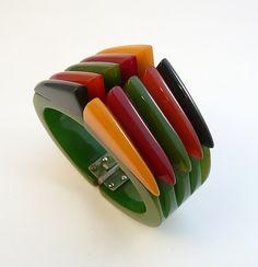 the Philadelphia bracelet - vintage 1930s Bakelite